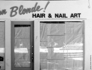 Abandoned storefront in Palm Springs, 2011