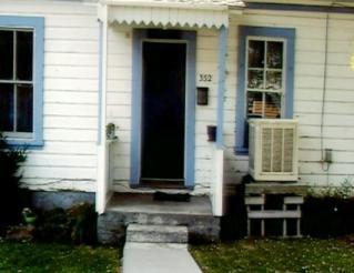 The Yreka home of Jodi's grandparents. Jodi lived in a room here when she returned from Mesa, Arizona.